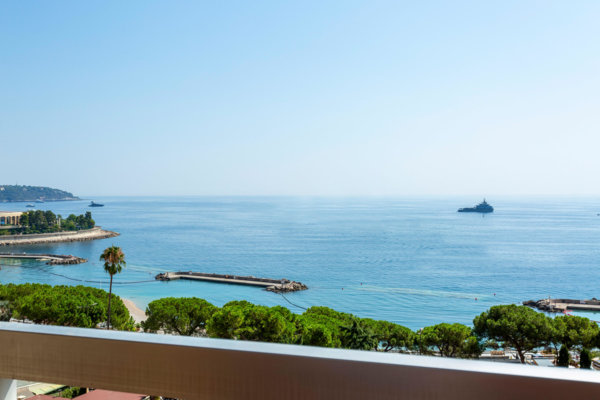 MONACO LARVOTTO 4 ROOMS TOP FLOOR MIXED CELLAR PARKING