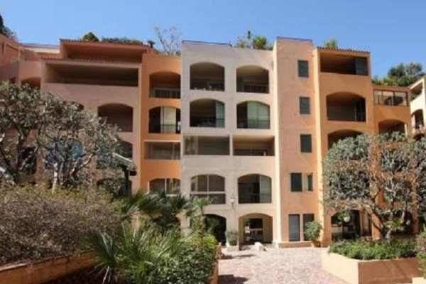 MONACO FONTVIEILLE DONATELLO 2 ROOMS 59 sqm MIXED CELLAR