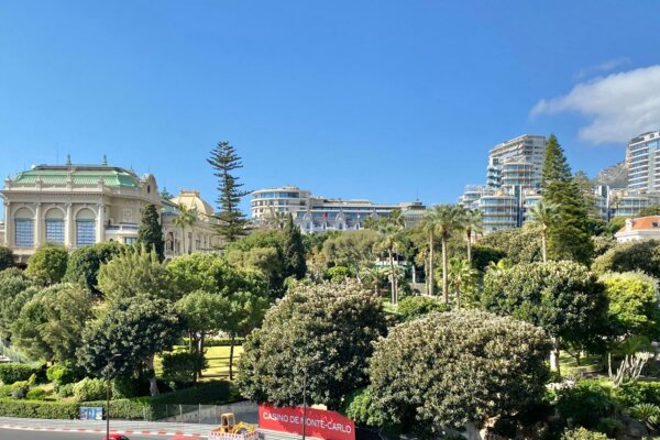 MONACO CARRE D'OR MIRABEAU THE MUST WITH POOL AND FITNESS